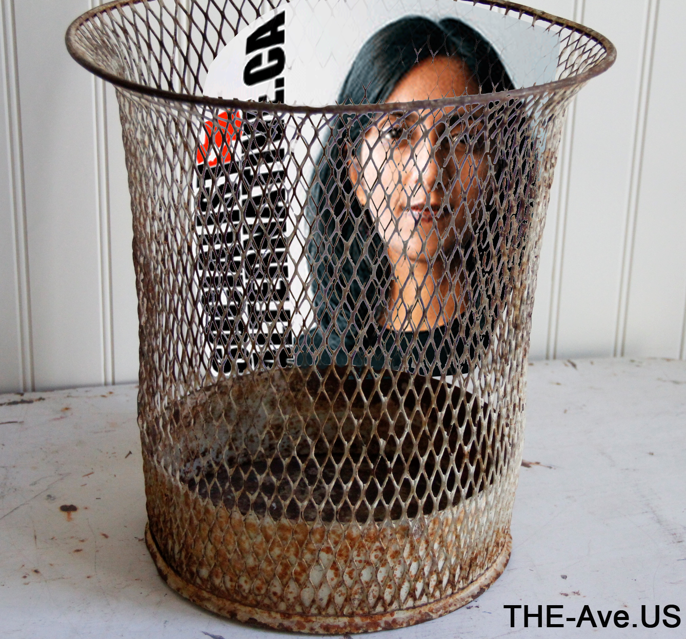 This post form FACEBOOK is scary.  What part of Seattle min in New Yor? Sawant has so far not even apepared in her own District much less raised any of the questions specific to District 3.  Seems as if she is running for something else?  Sales of her autobiography?