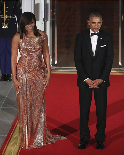 versace_officialFirst Lady of the United States @MichelleObama is flawless in a custom-made, rose gold #AtelierVersace gown.